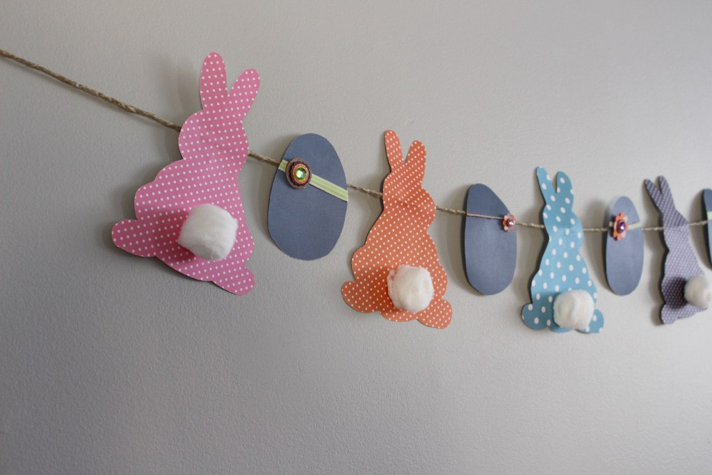 DIY-Easter-egg-and-bunnies-banner