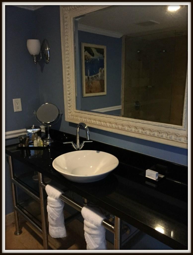 shores_bathroom_DB