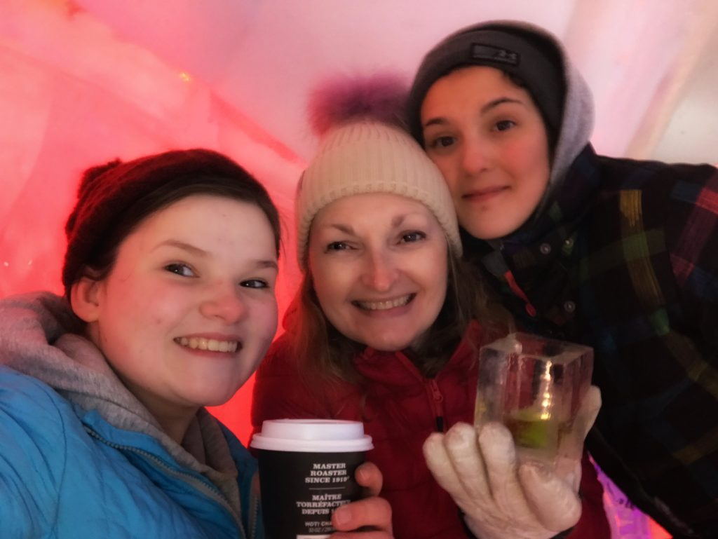 ice_hotel_quebec_in_the_bar_pink_lighting_family