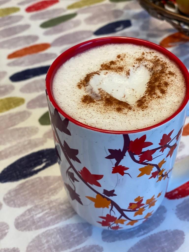 apple_cinnamon_tea_latte_with_heart_foam