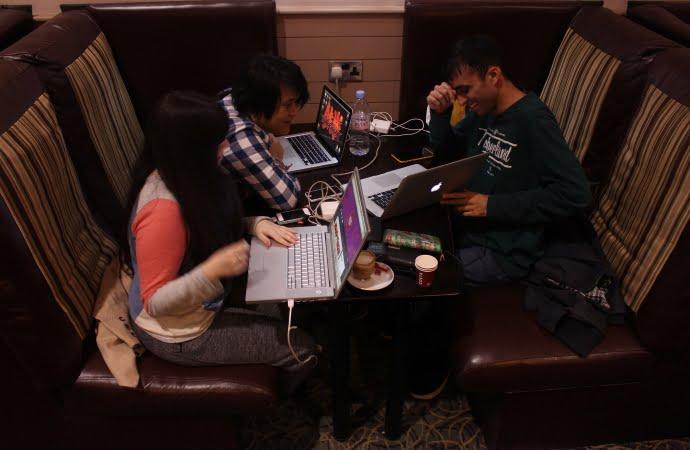 De Mambo: Hard at work in the Inn