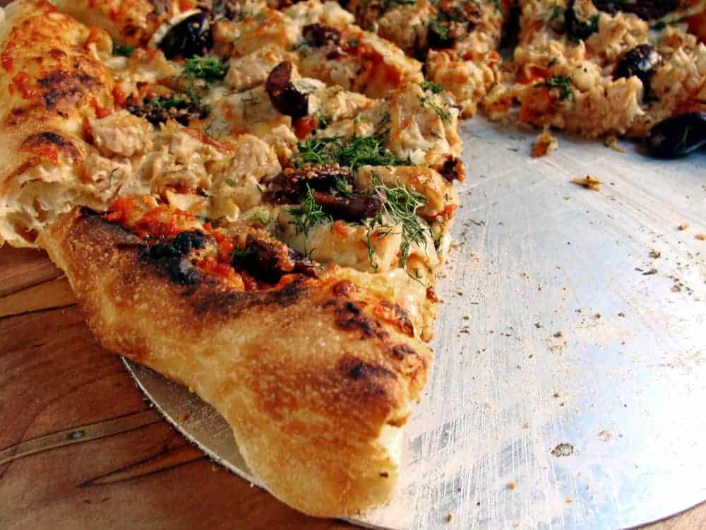 Tuna Fish Pizza with Fennel and Olives