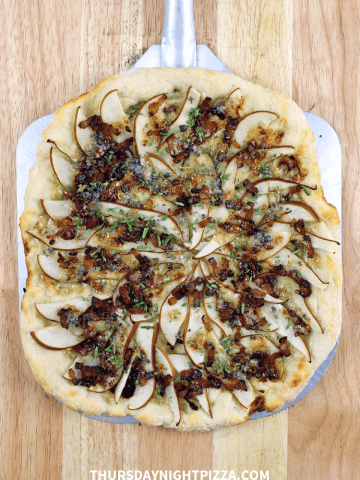 Bacon and Pear Pizza with Blue Cheese