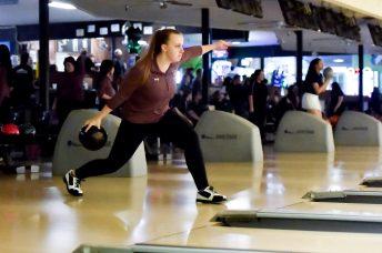 Capital Shelton Bowling 8115