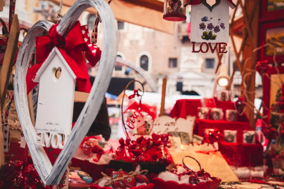 love market in verona