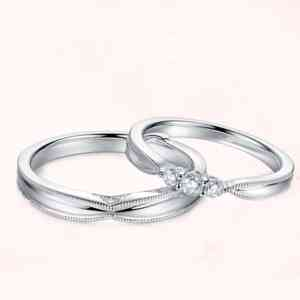 Tiaria 9K The Peaceful Heart Ring