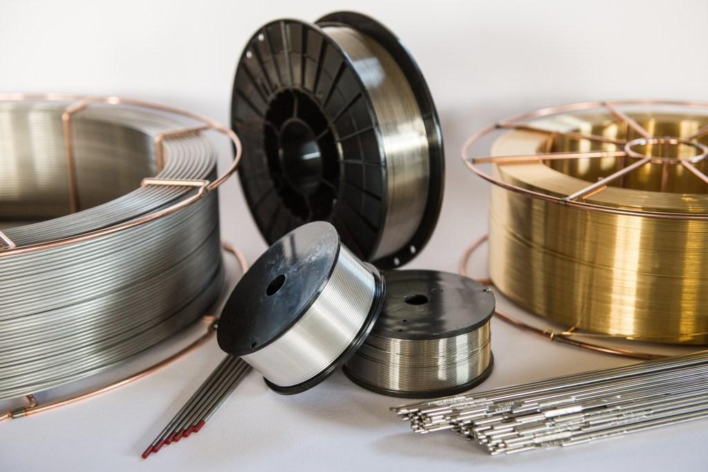 Titanio Nickel Acciaio inossidabile