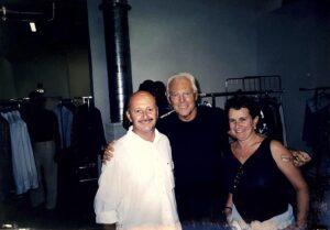Carmela ed Augusto Masotti a Milano con Armani. Il negozio Masotti era uno dei punti di riferimento del territorio per l'alta moda