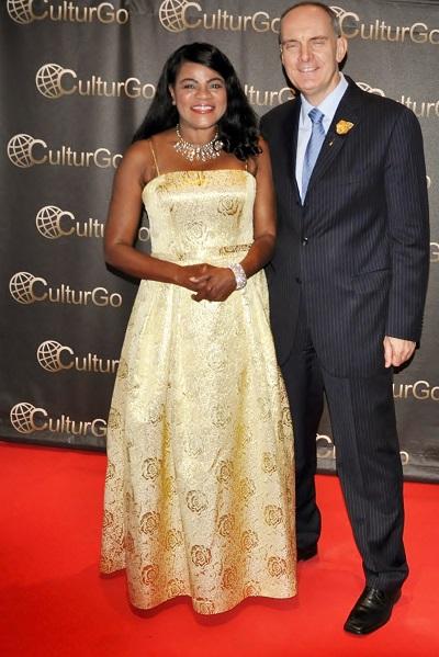 Malou Splendide Royal Arts Awards
