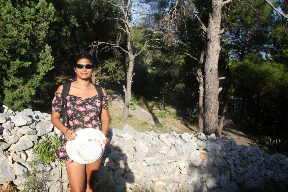 Hvar: Walking to the Fortress