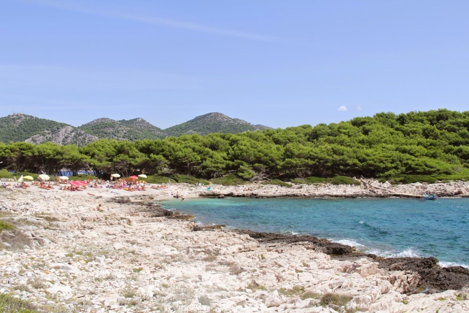 Hvar: Sun and surf at Jerolim