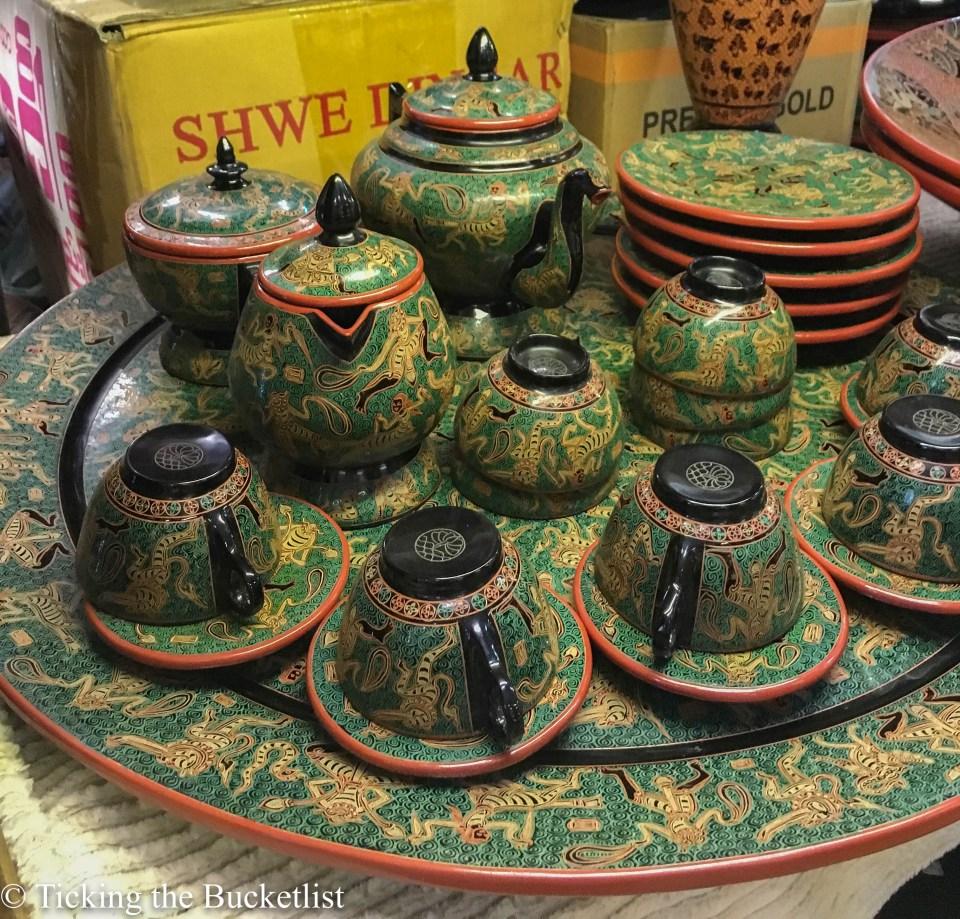 Lacquer tea set