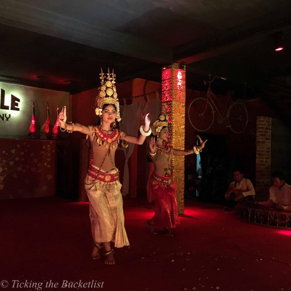 Khmer entertainment..at Temple Bar