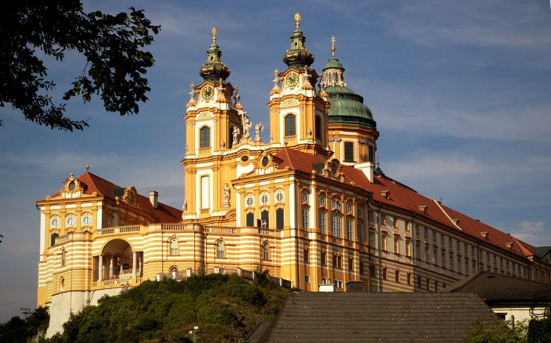 Melk Abbey (pic courtesy: Wikipedia)