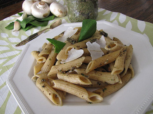 Post image for Spinch & Mushroom Pesto Sauce With Penne