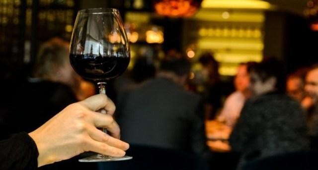 wine-622116_1280-710x434