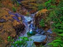Sube y baja al cañón de la chiripa caminata con Ticos A Pata