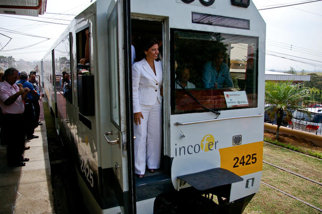 Train to belén inauguration