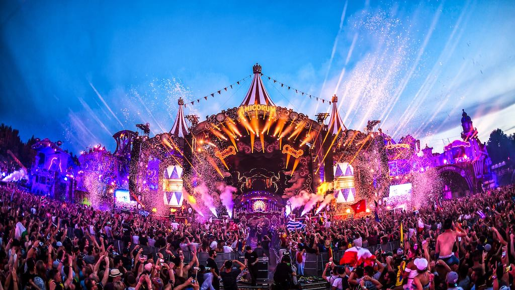 Aller en bus pas cher aux meilleurs festivals européens cet été Tomorrowland