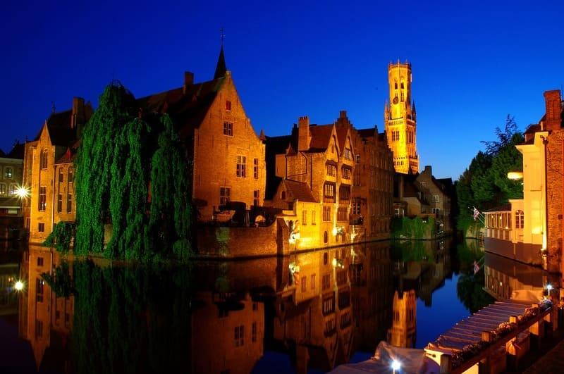 ville avec des canaux - Bruges la venise du nord