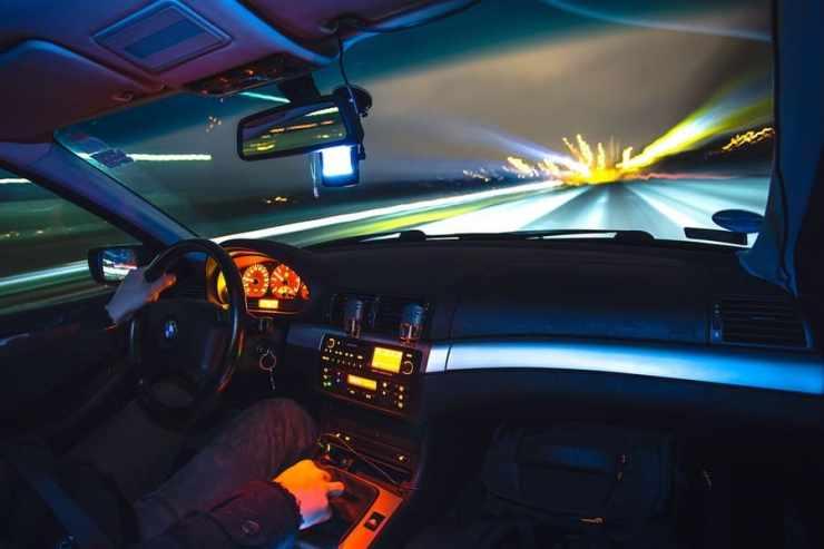 définition covoiturage - voiture autoroute