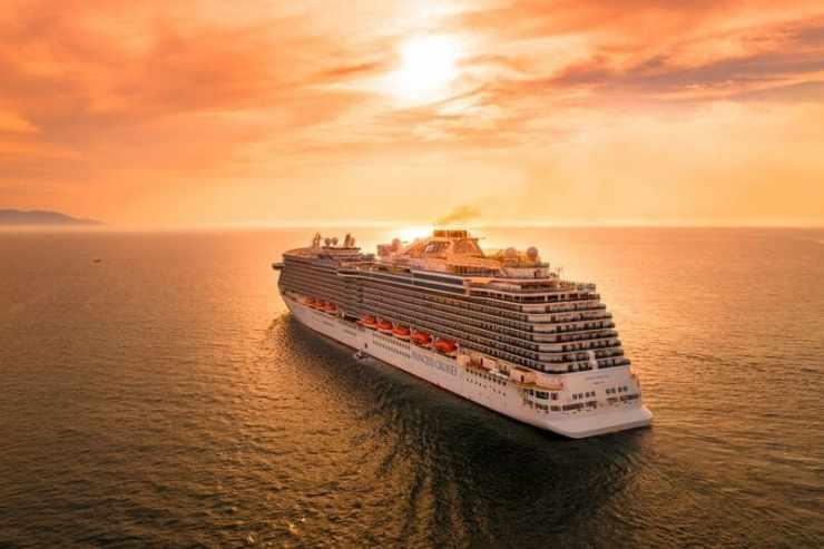 croisiere Mediterranee - bateau de croisière coucher de soleil