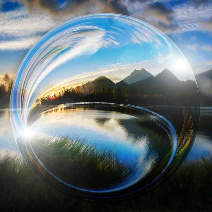 anecdotes de montagne - boule paysage montagne lac ciel
