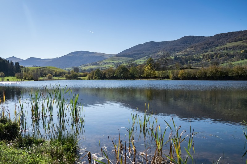 lac cantal auvergne