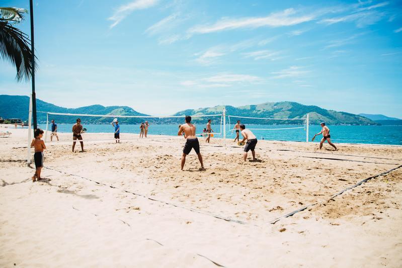 activités de plage - beach volley sur le sable