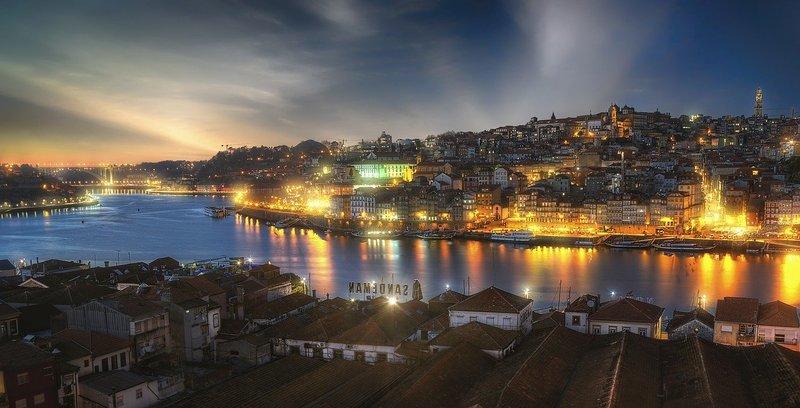 ville de porto éclairée de nuit