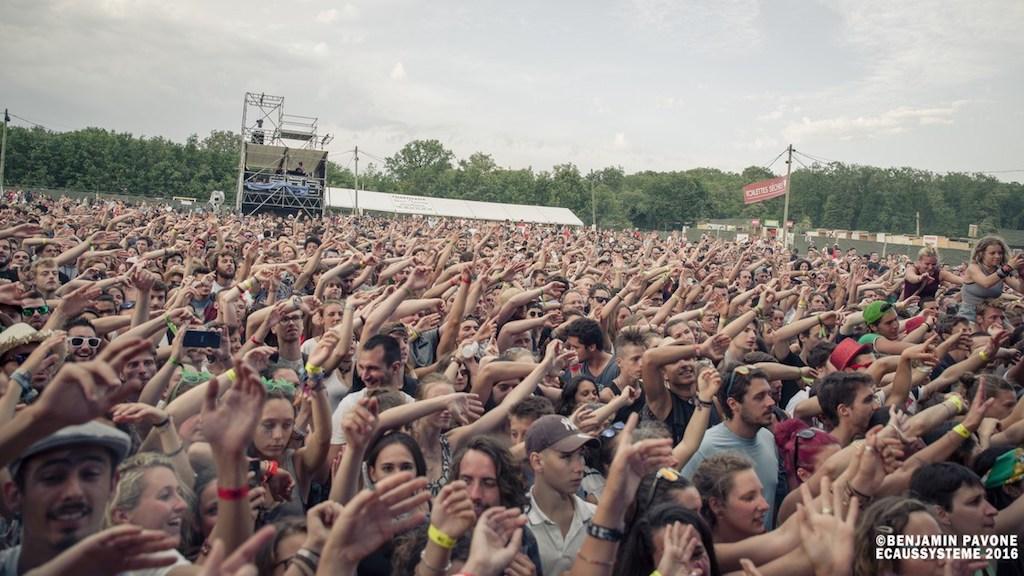 tictacgreen : notre label pour participer au développement durable festival Ecaussystème foule concert