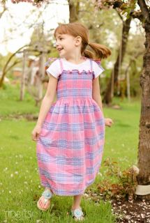 Dress made from pre-smocked fabric