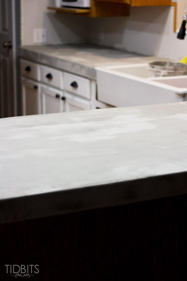 feather-finish-faux-concrete-countertops-11