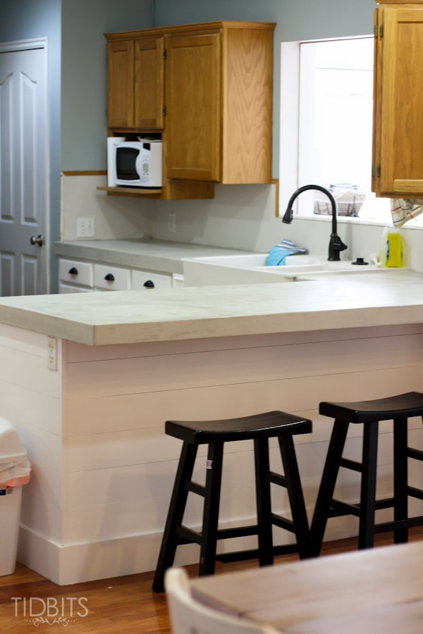 feather-finish-faux-concrete-countertops-13