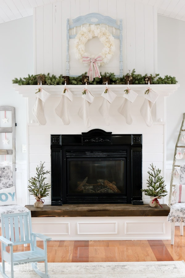 A Cottage Christmas Home Tour, by TIDBITS. Living room inspiration, simple touches of natural elements and lots of DIY's.