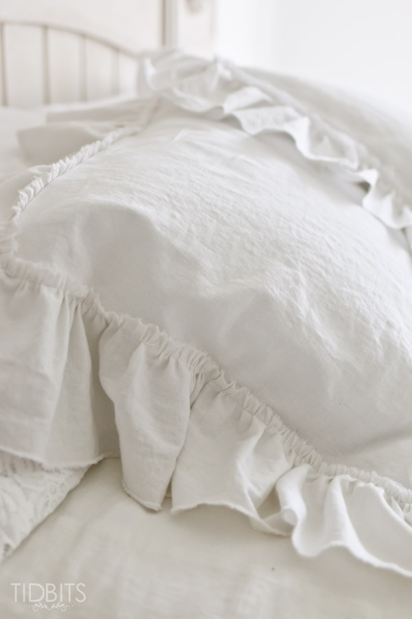 Ruffle Pillow Sham tutorial. Grab some white cozy linen fabric and make the most dreamy & Ruffle Pillow Sham Tutorial - Tidbits pillowsntoast.com