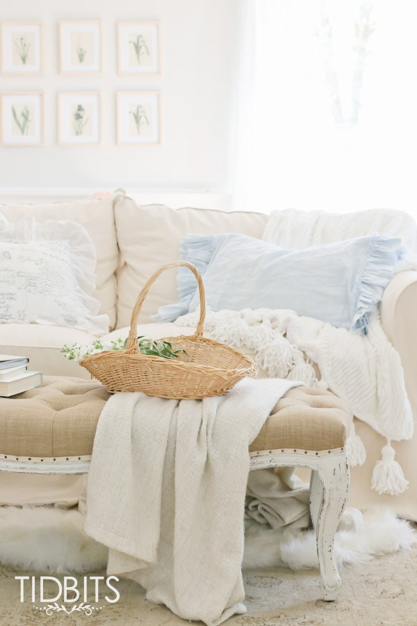DIY Ruffle Pillowcase by TIDBITS. Learn how to custom make a double-sided ruffled pillow covering for any pillow of your choice.