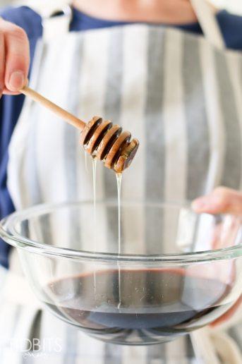 Pressure Cooker Elderberry Syrup