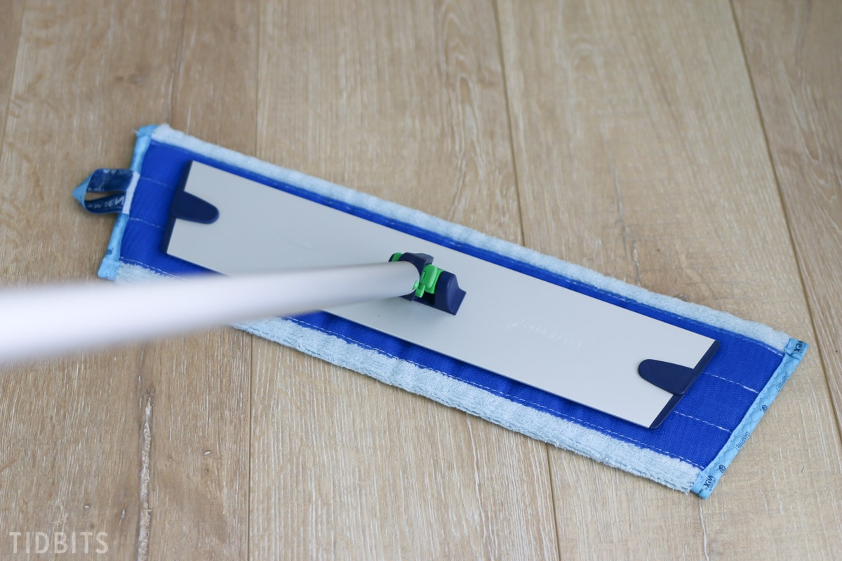 How I Clean Laminate Flooring Without The Use Of Any Chemicals!