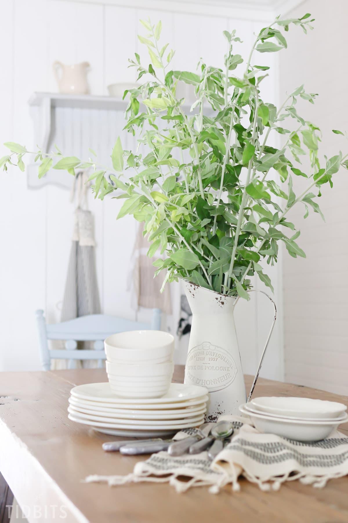 Simple Tableware
