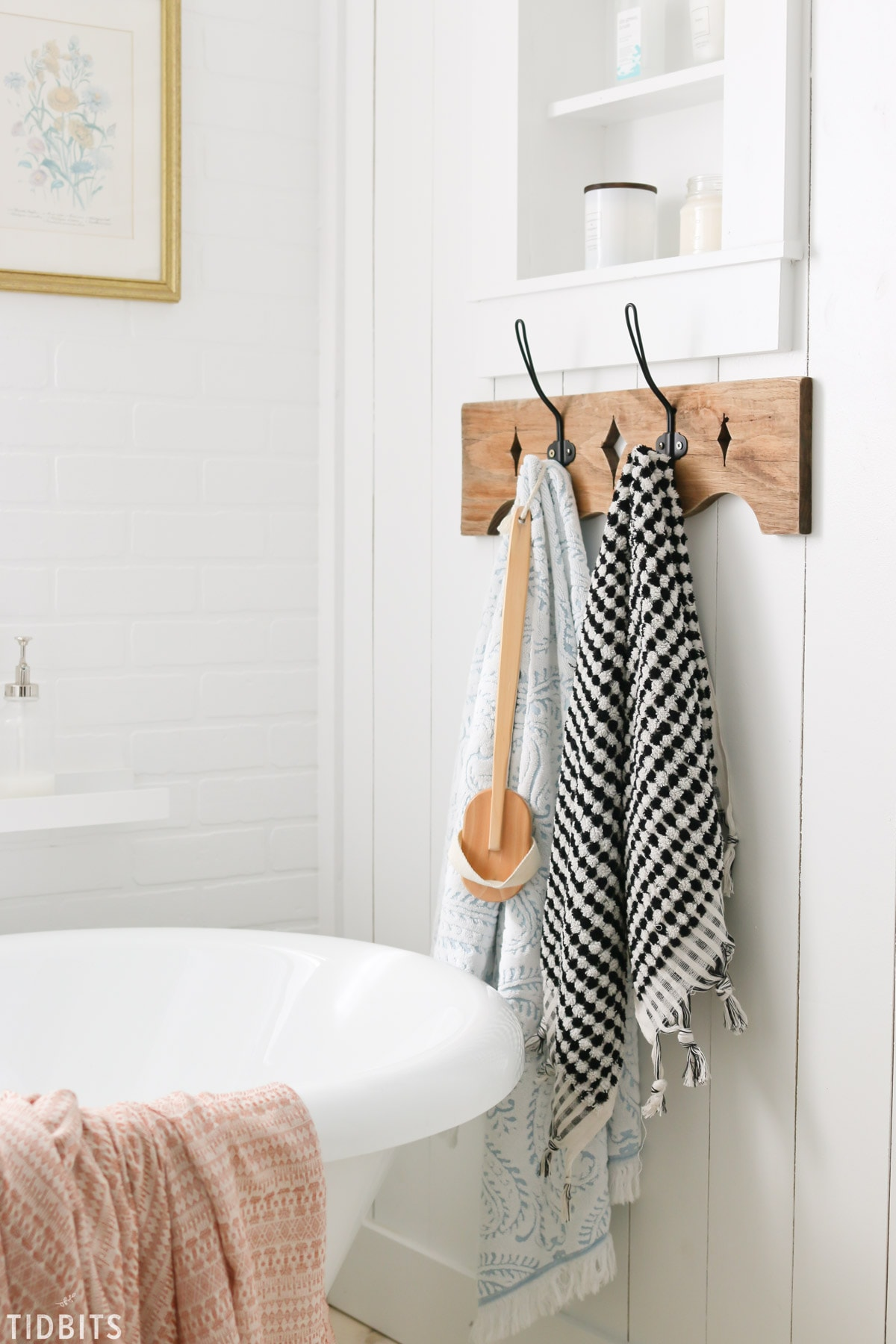TIDBITS Fall Home Tour | Subtle changes in the Bathroom