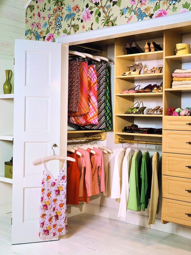 how to glamorize a reach in closet