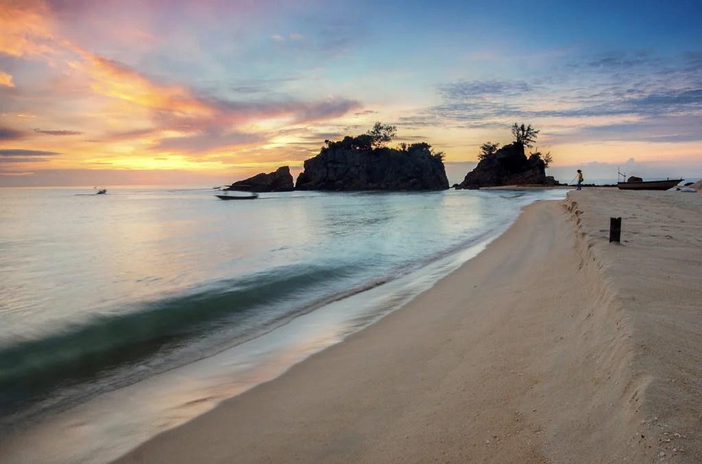 Where do semidiurnal tides occur?
