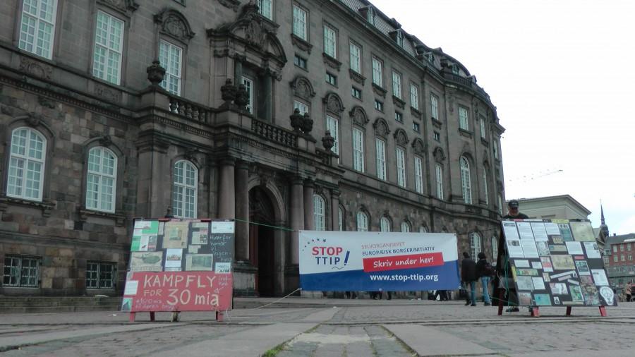 Fredsvagten og Stop TTIP var også aktiv til stede