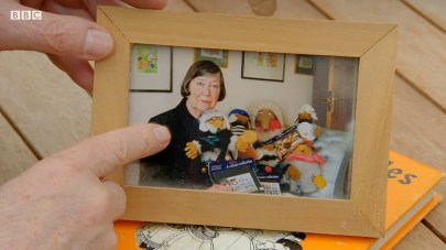 Photo of Elisabeth Beresford with Wombles toys