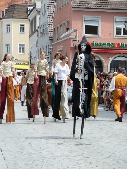 Der Tod zieht mit - Wallenstein Festspiele 2012 in Memmingen