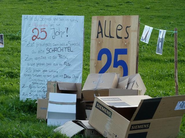Schachtelfest - alte Kartons und ein Gedicht zum 25. Geburtstag