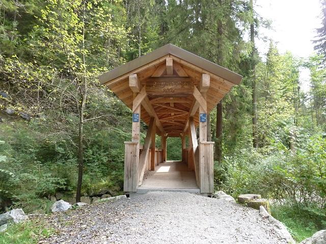 die Floriansbrücke am Wasserweg am Durachtobel