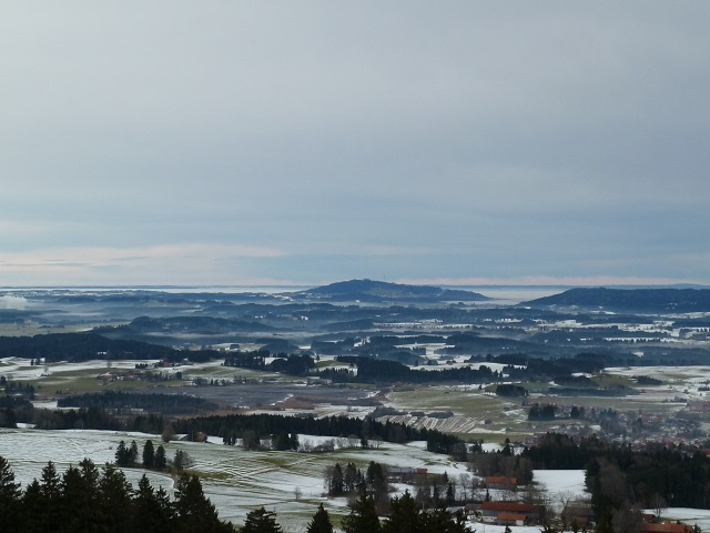 Panoramablick vom Auerberg auf den Peißenberg
