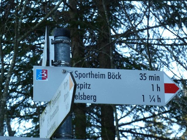 Wegweiser zum Sportheim Böck auf der Alpspitz